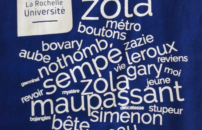 Des sacs-surprises à emprunter sur la mezzanine des langues 1